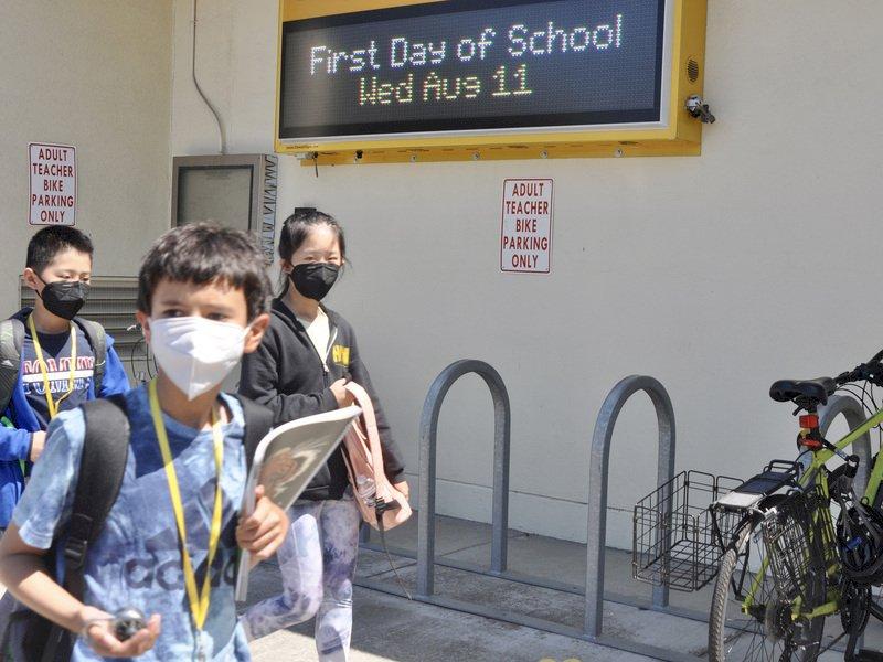 美州長反對學生戴口罩 拜登警告將採法律行動