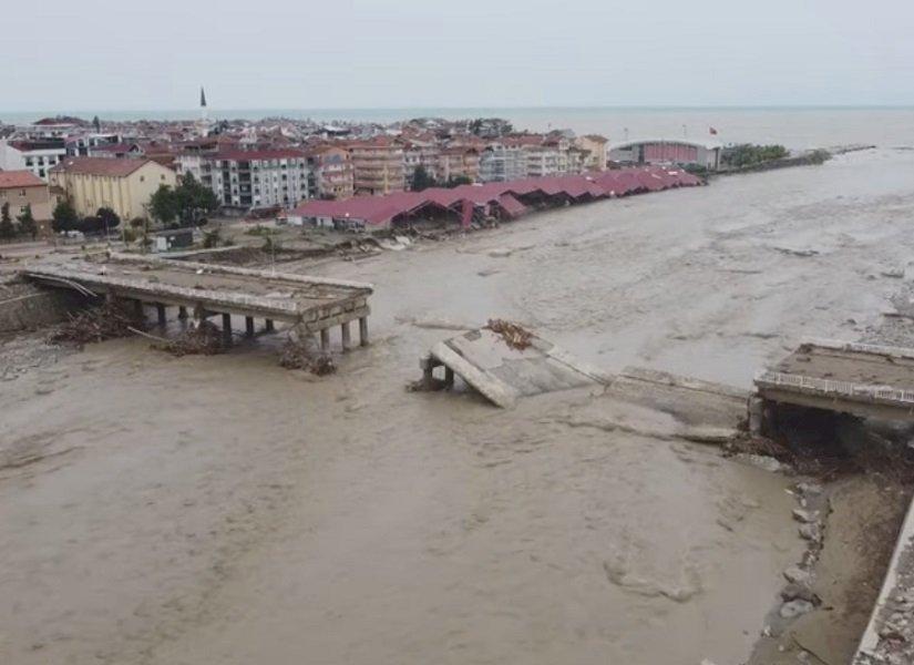 土耳其北部洪災27死 印度北部土石流疏散2千人