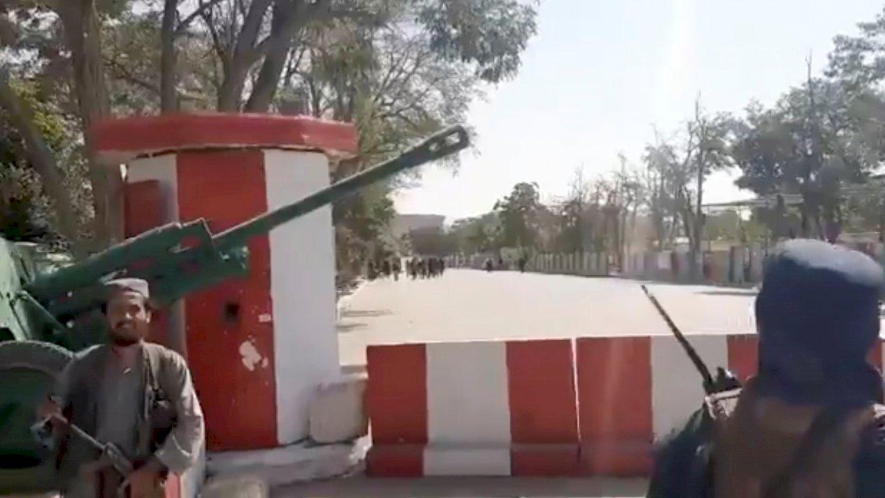 拜登增派部隊支援撤離阿富汗 警告塔利班勿阻撓