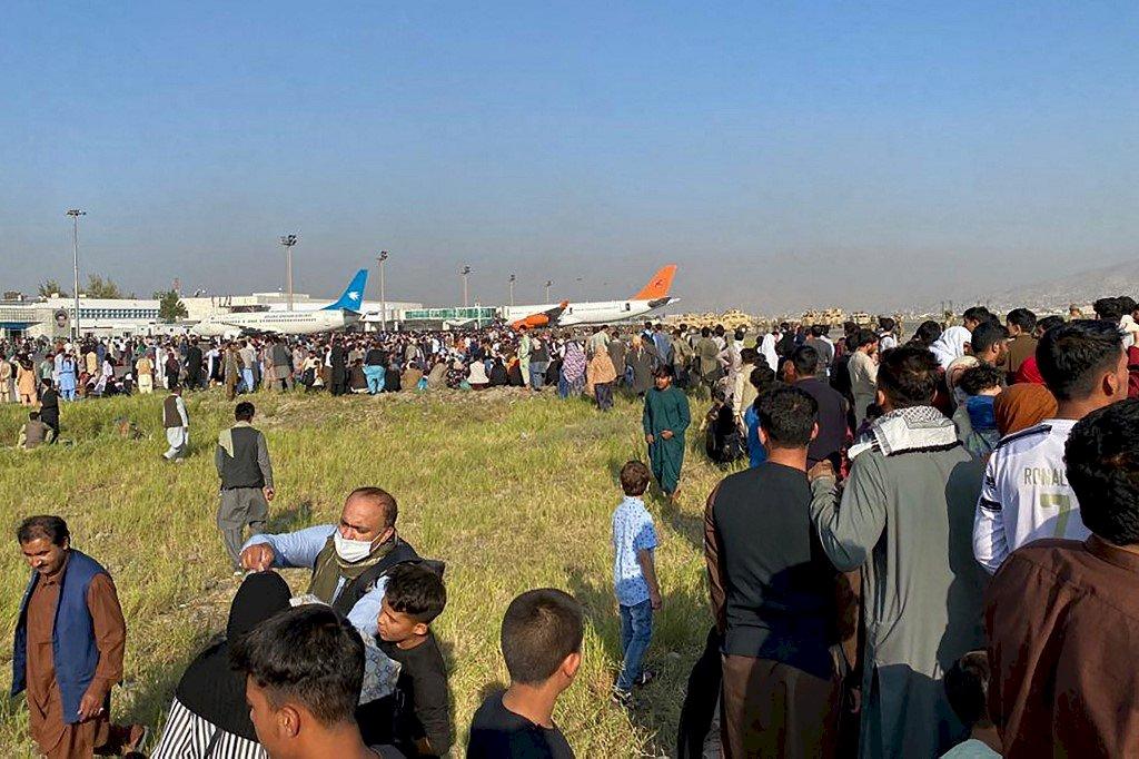 塔利班接管阿富汗 各國紛撤僑