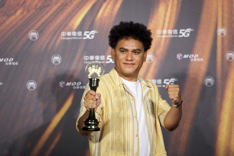 金曲32/桑布伊第3度抱回最佳原住民語歌手大獎