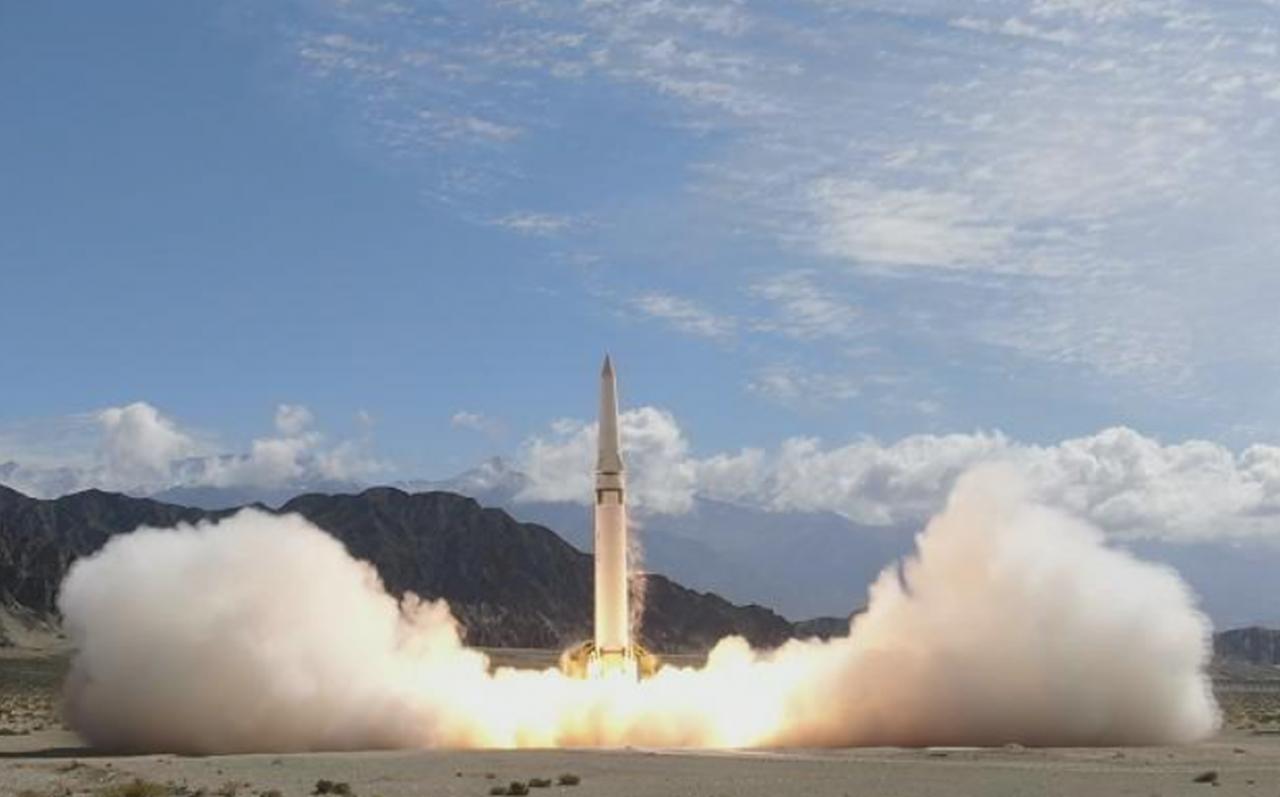 共軍發射新型飛彈稱命中幾百公里多重防護目標