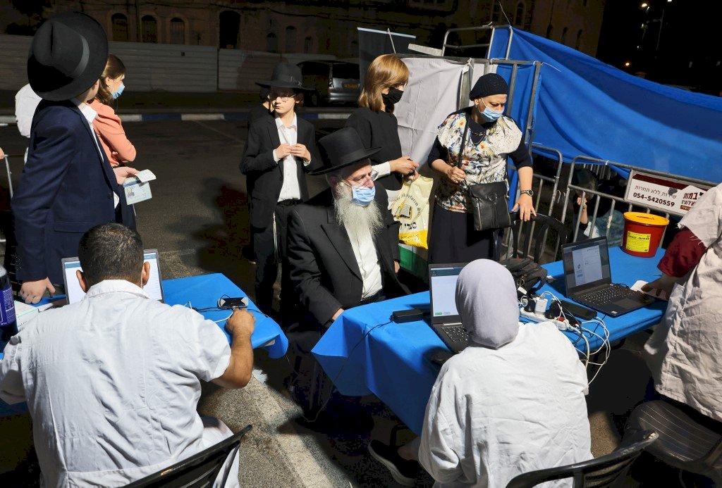 以色列60歲以上長者接種第3劑疫苗 保護力顯著提升