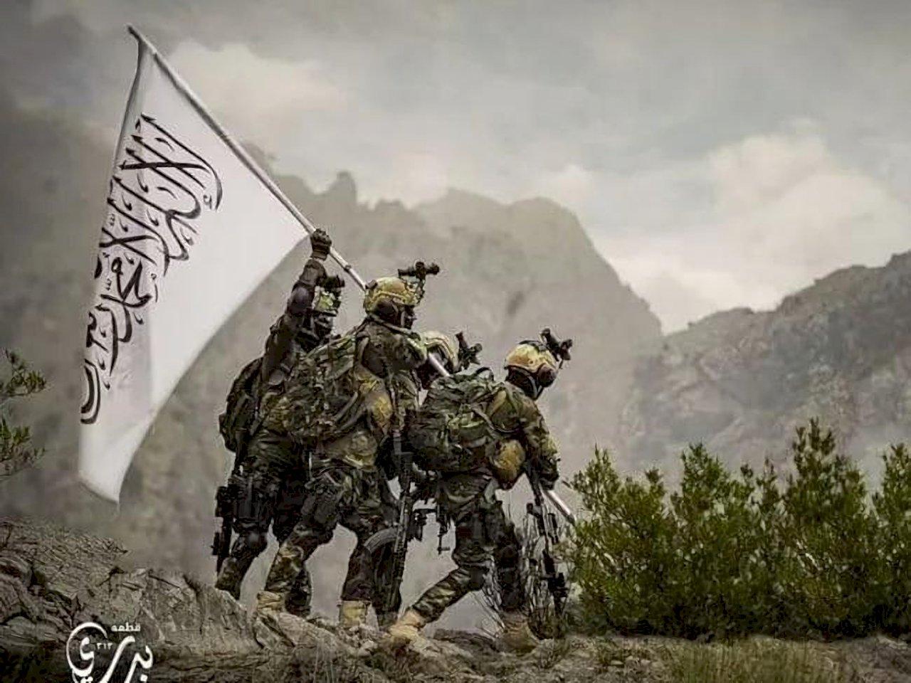 塔利班精銳部隊全身美軍裝備 模仿硫磺島插旗