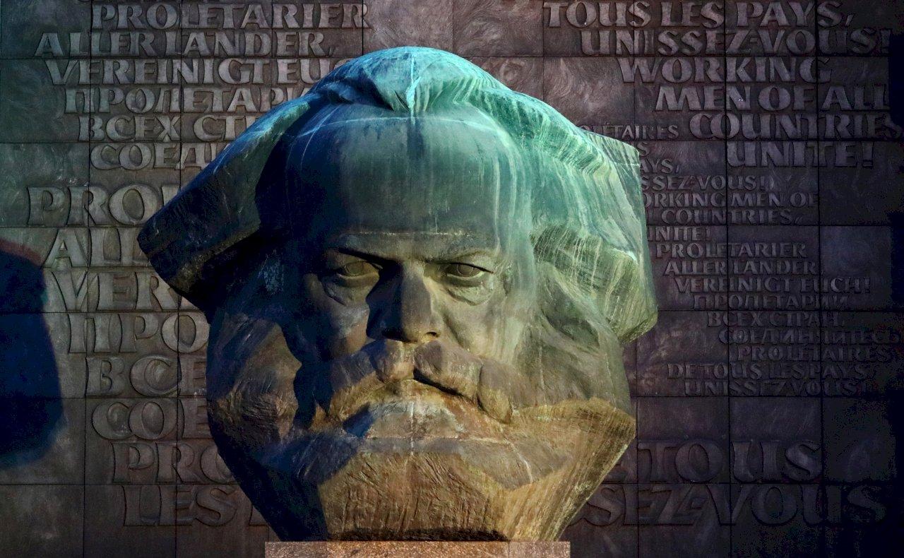 美國社會裡的衝突:批判性種族理論之「公平數學」