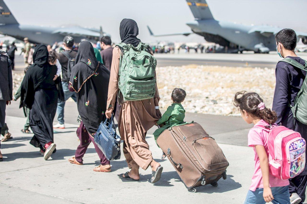 白宮:單日1.9萬人撤離喀布爾 累計撤8.23萬人