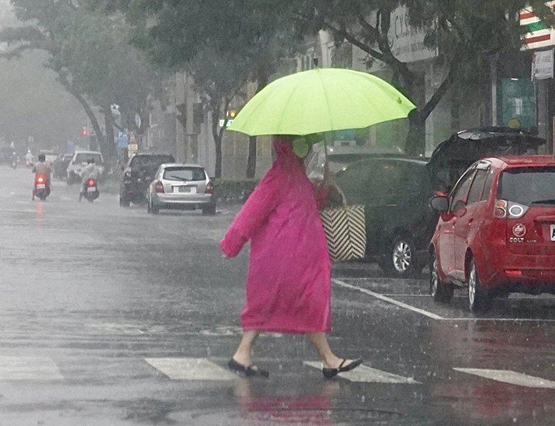 颱風璨樹總雨量預測 宜蘭山區上看700毫米最多