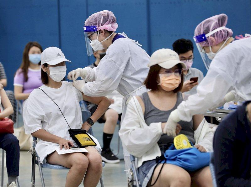 娛樂場所防疫指引 經部:6成員工打疫苗逾14天