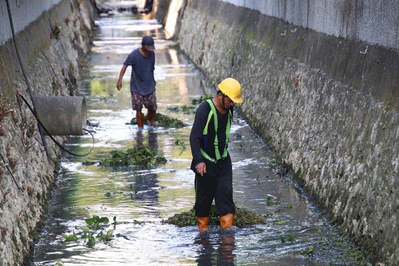 颱風璨樹陸警範圍擴大 增加高雄地區
