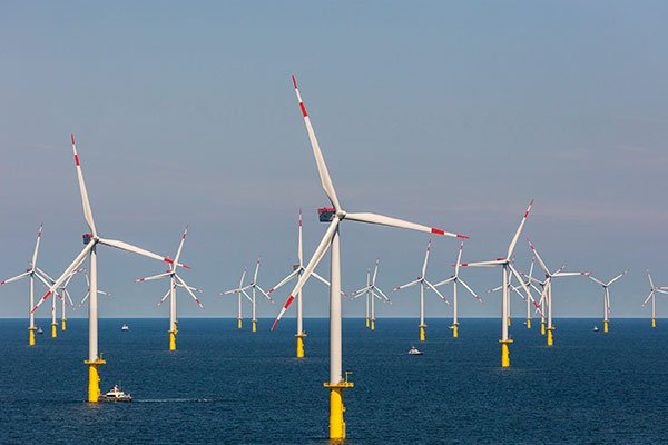 允能風場加緊趕工 9月底拚10支國產化風機上線服役