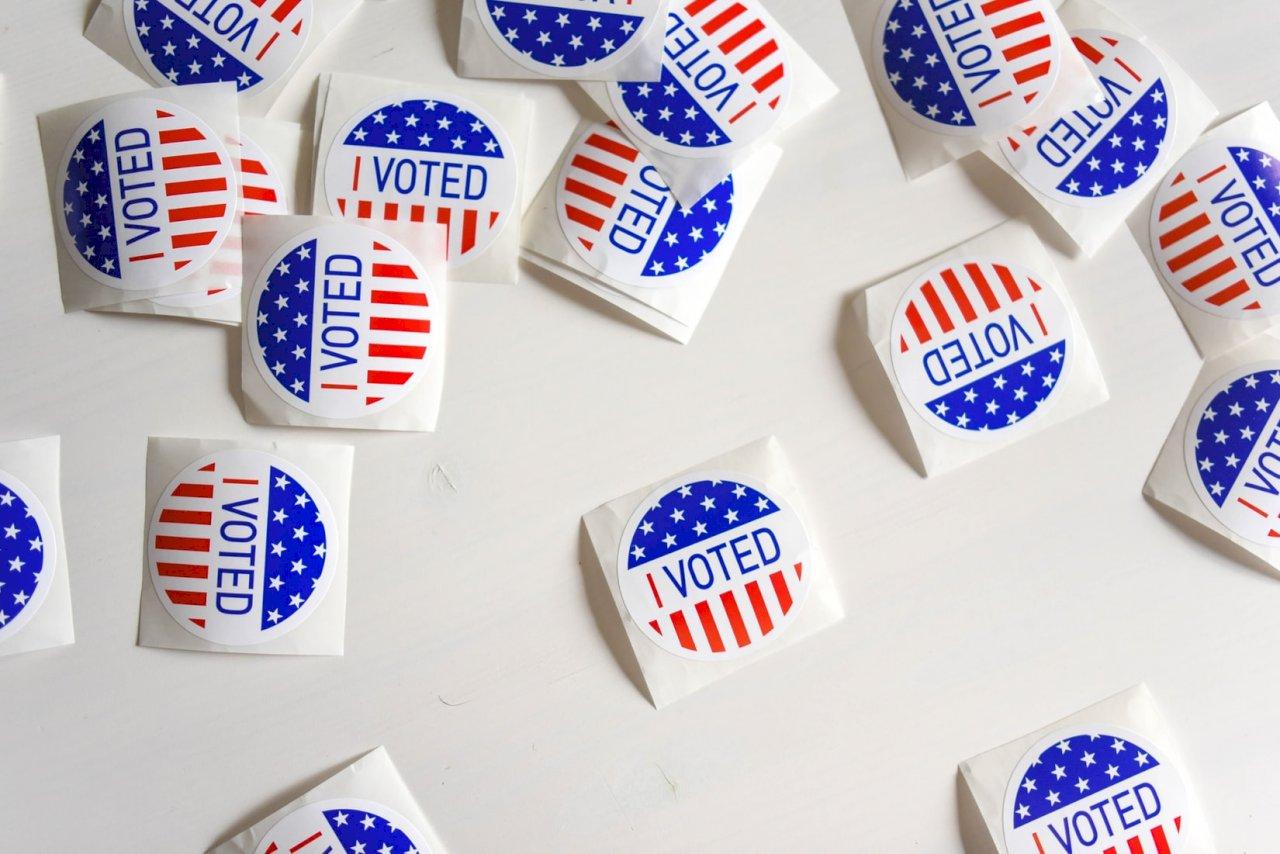 美國兩黨之爭:《民享法案》和《約翰‧路易斯投票權促進法案》