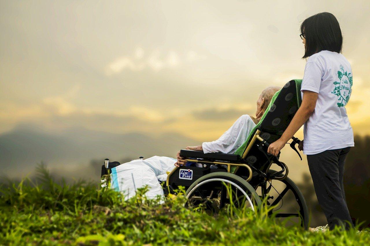 每月沒3萬難過老年生活 調查:台民眾對長照憂心但準備卻明顯不足