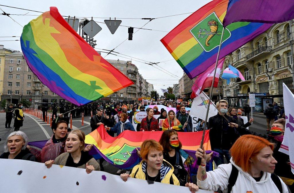 無懼抗議 7000人參加年度基輔同志驕傲大遊行