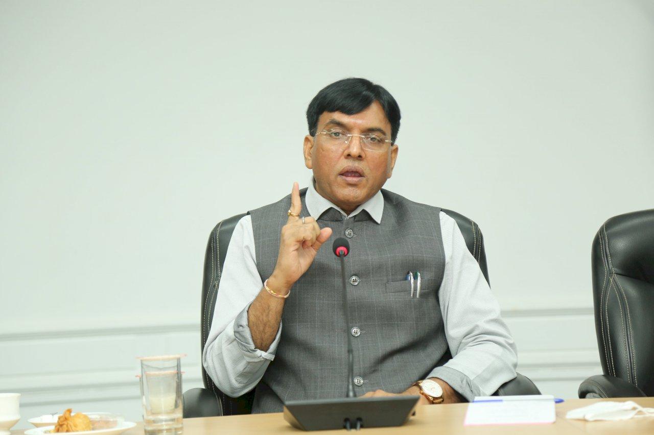 印度衛生部長:下一季將恢復COVID-19疫苗出口