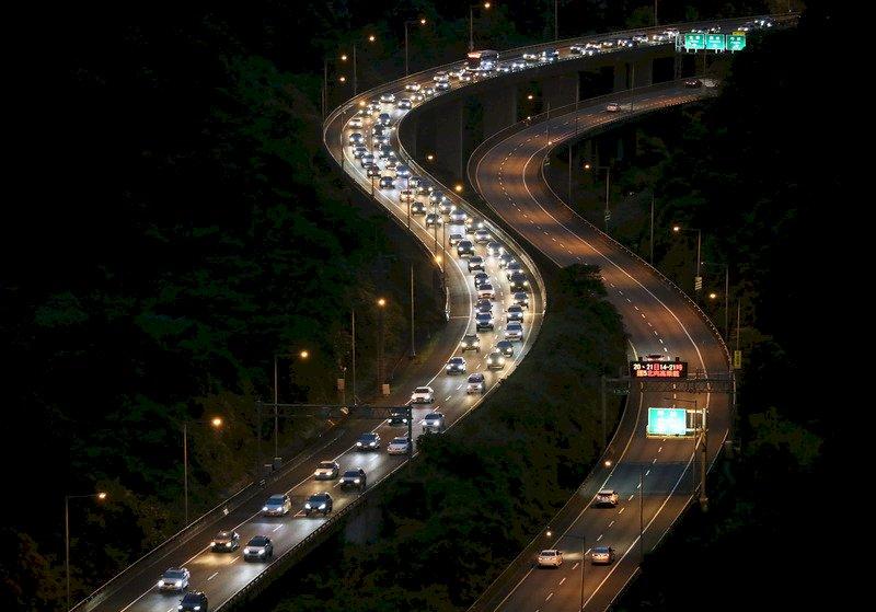 中秋連假尾聲  國道10小時免收費、9路段易塞