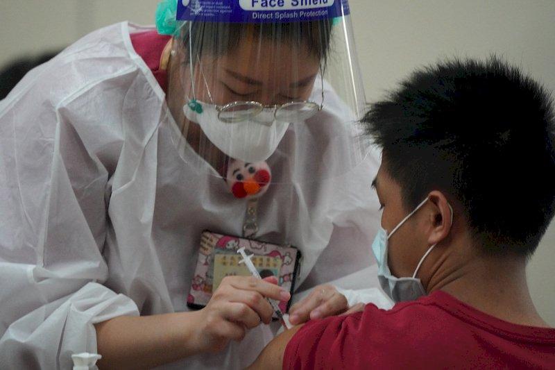 第九輪BNT預約接種率86% 疫苗涵蓋率逼近5成