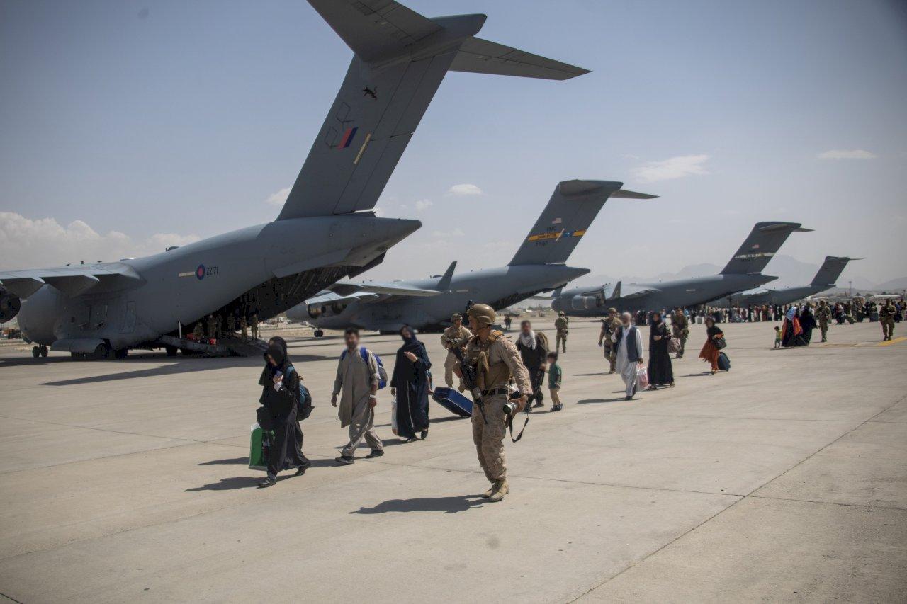 逾250口譯員電郵外流後 英又洩55名阿富汗人個資