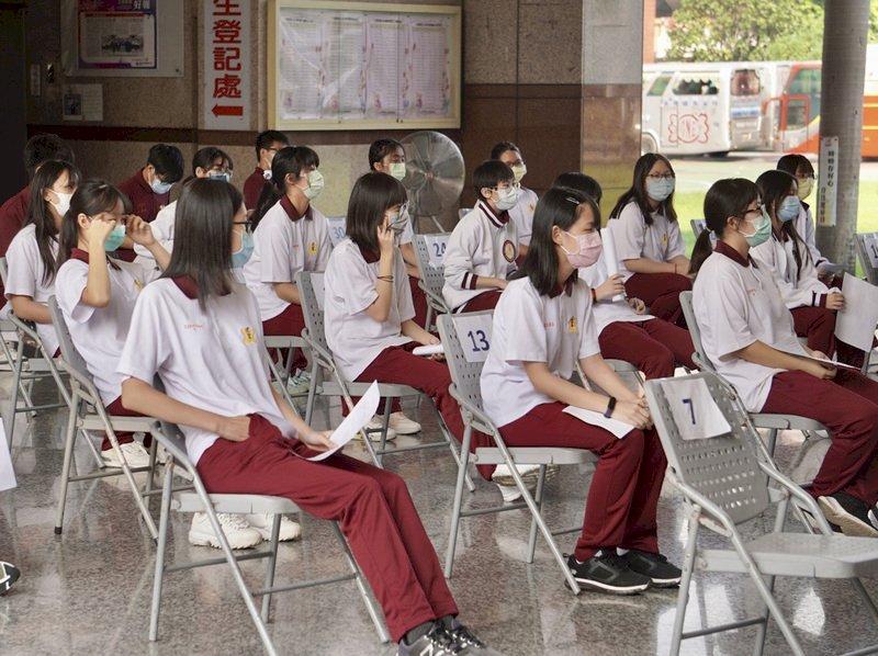 疫苗涵蓋率破5成 學生是否打第二劑BNT待評估