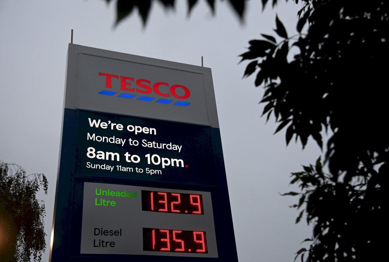 加油站關門 英政府籲民眾勿搶購汽油