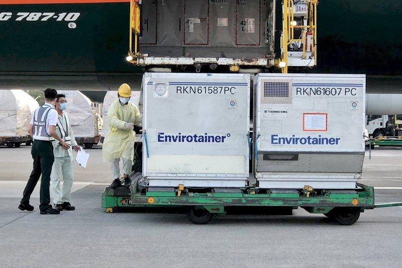 斯洛伐克贈台16萬劑AZ疫苗運抵 供第2劑造冊接種