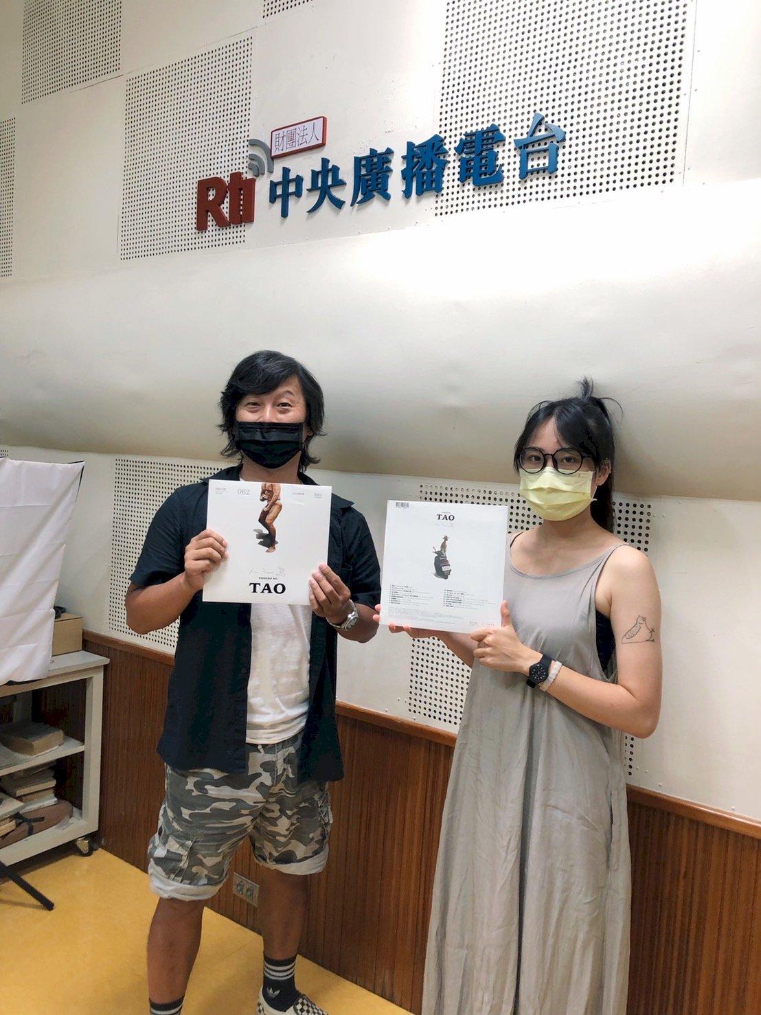 [陳建年—人之島]製作團隊虎神與郁雅專訪